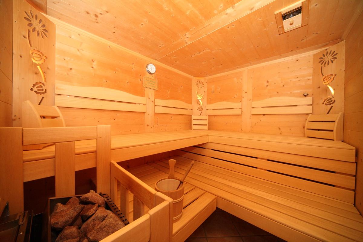wellness in der pension spreitzhof in schladming. Black Bedroom Furniture Sets. Home Design Ideas